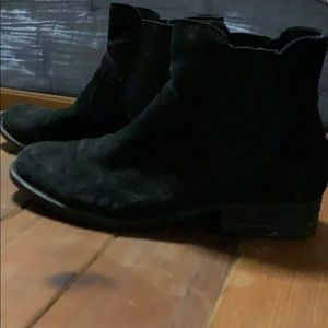 Woman's size 6 black boots by Born